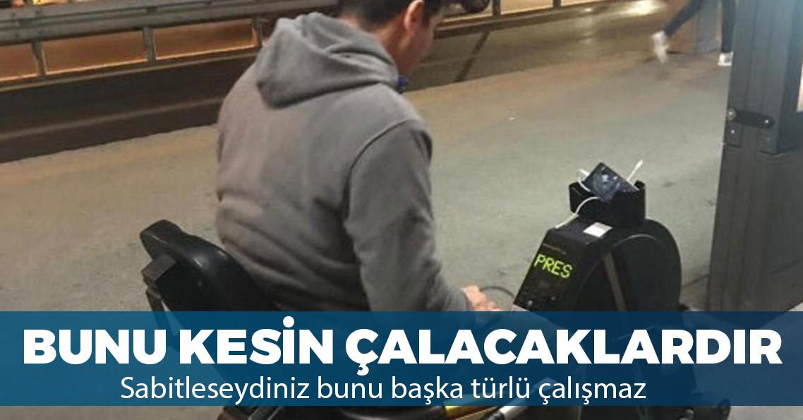 Metrobüs duraklarına telefon şarj etmeye yarayan bisikletler yerleştirildi