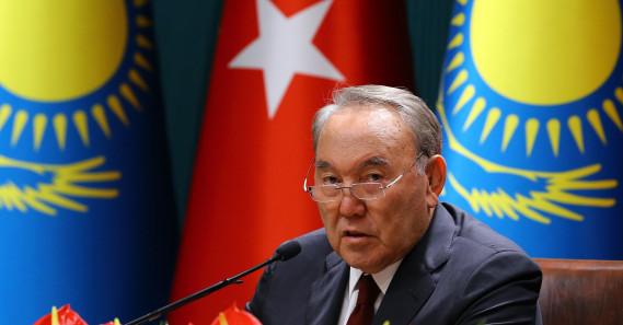 """Kazakistan'da Yeni Sürecin İlk Adımı: Nazarbayev'in """"İstifası"""""""