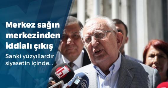 """Hüsamettin Cindoruk: """"AKP üç büyük şehirde de kaybedecek"""""""